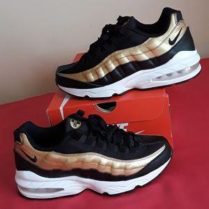 Women's Nike Air Max 95 Metlc Gold Sz 7.5 or 6Y